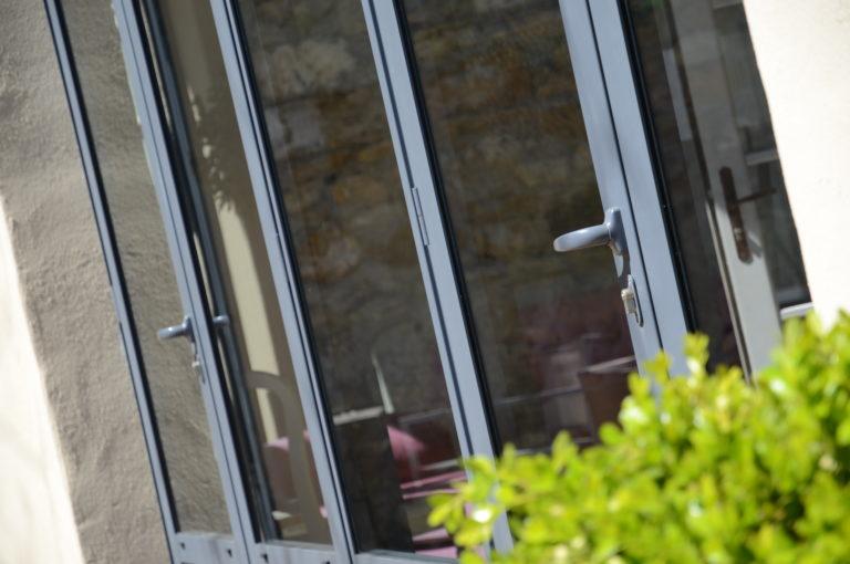 Isolation porte-fenêtre pergola